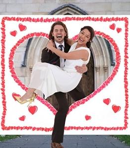 Hochzeitsherz zum Ausschneiden für das Brautpaar. Komplettset PORTOFREI: Laken zum Ausschneiden mit Herzmotiv inkl. 2 Scheren. Braut & Bräutigam schneiden das Herz aus und durchschreiten das Stoffherz. - 1